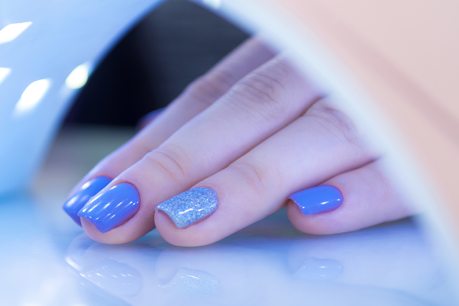 Acrylic, Gel or Dip Nails: Understanding the Pros + Cons for Your ...