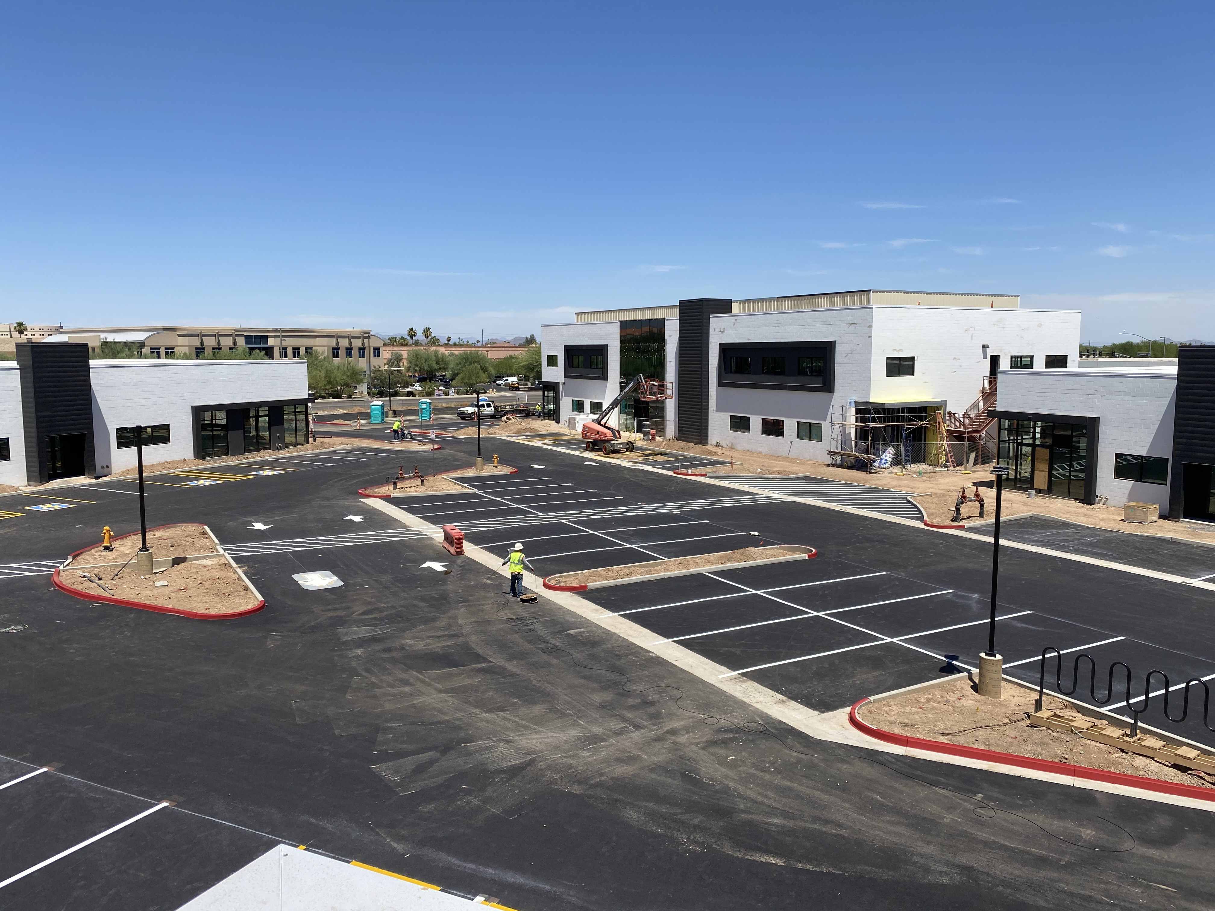 the bridge at camelback ,  phoenix arizona office leasing, colliers, available space, second floor view, elevator connecting to parking