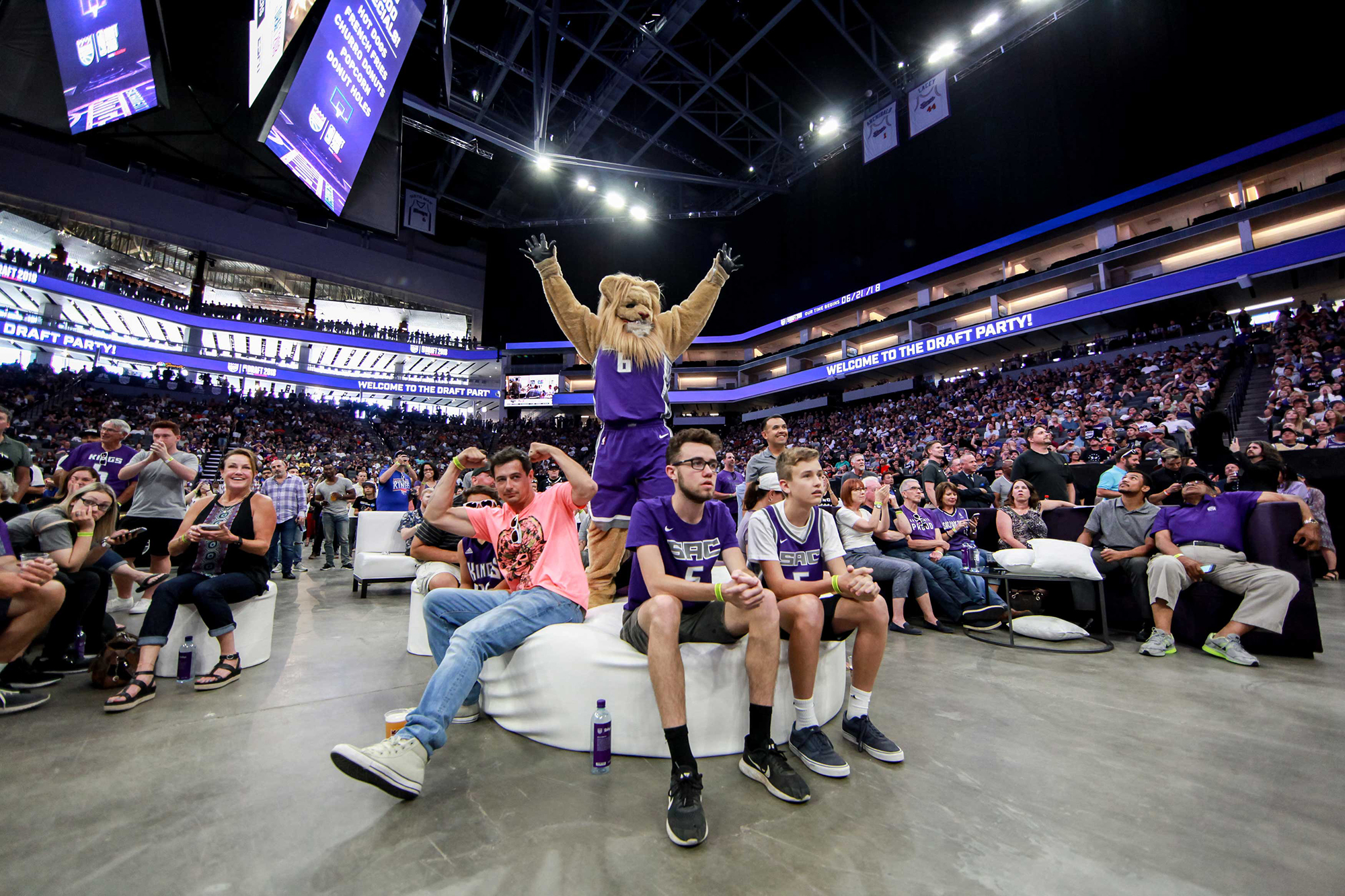 e01695207 The Kings hosted a watch party at the Golden 1 Center to celebrate their  no. 2 draft pick