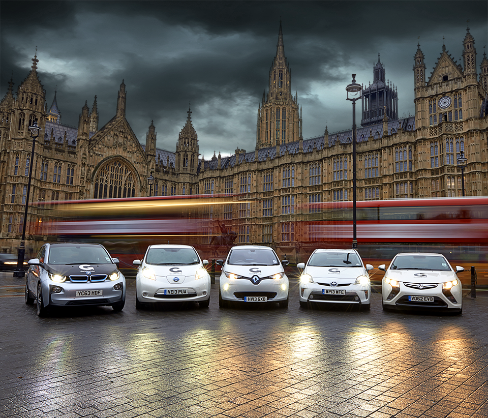 Rhapsody Photography, Go Ultra Campaign, Cars in front of the Westminster Palace in London