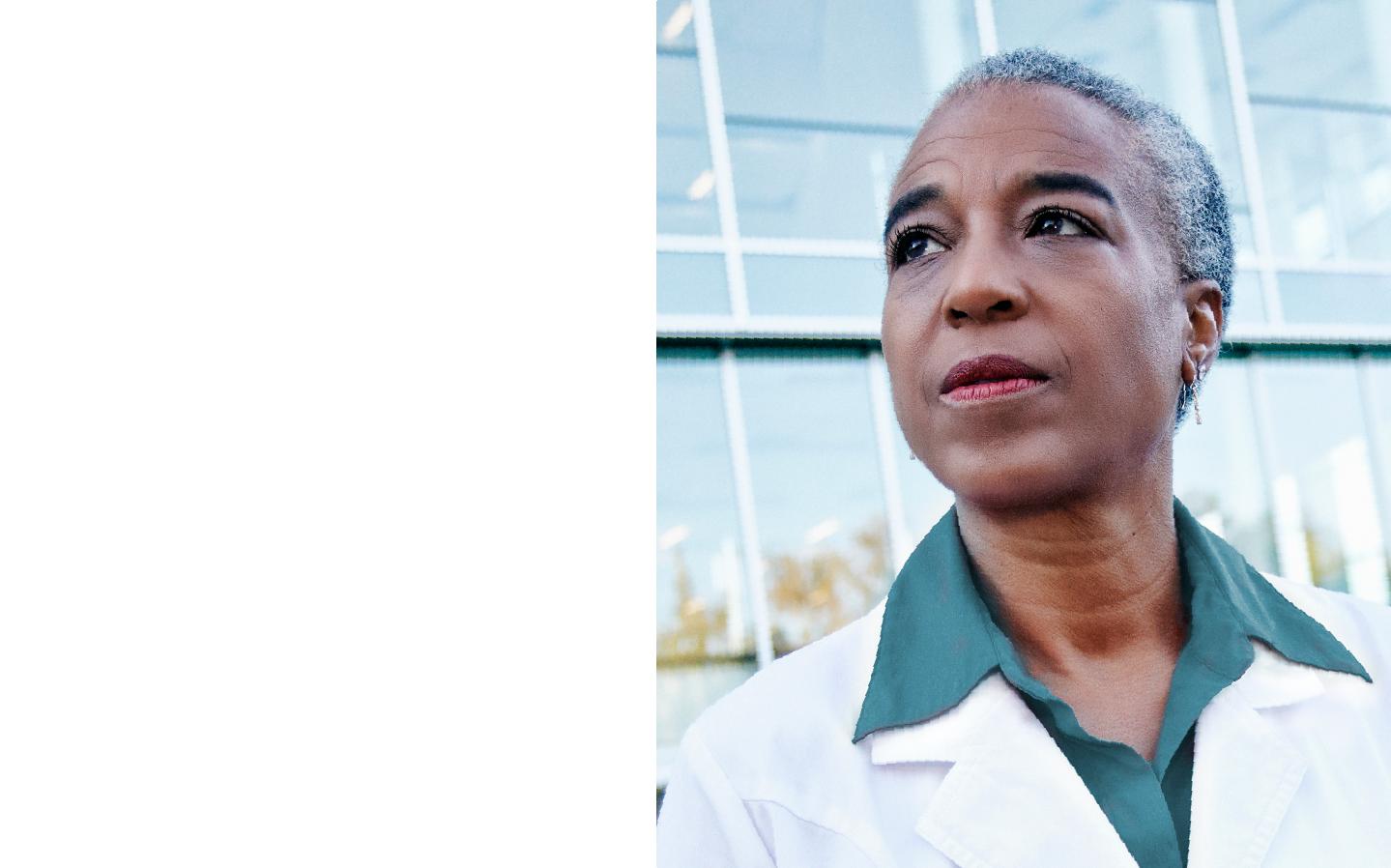 Vivity Female Surgeon