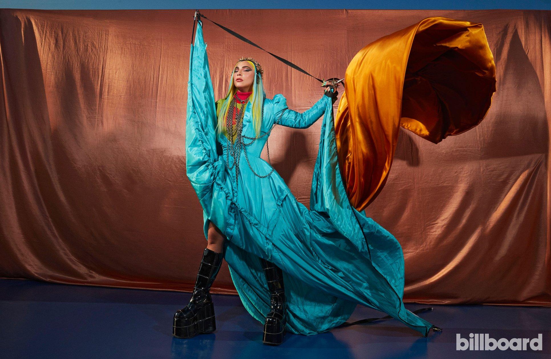 Lady Gaga - Σελίδα 47 Bb-ladygaga-2-ceros-2760