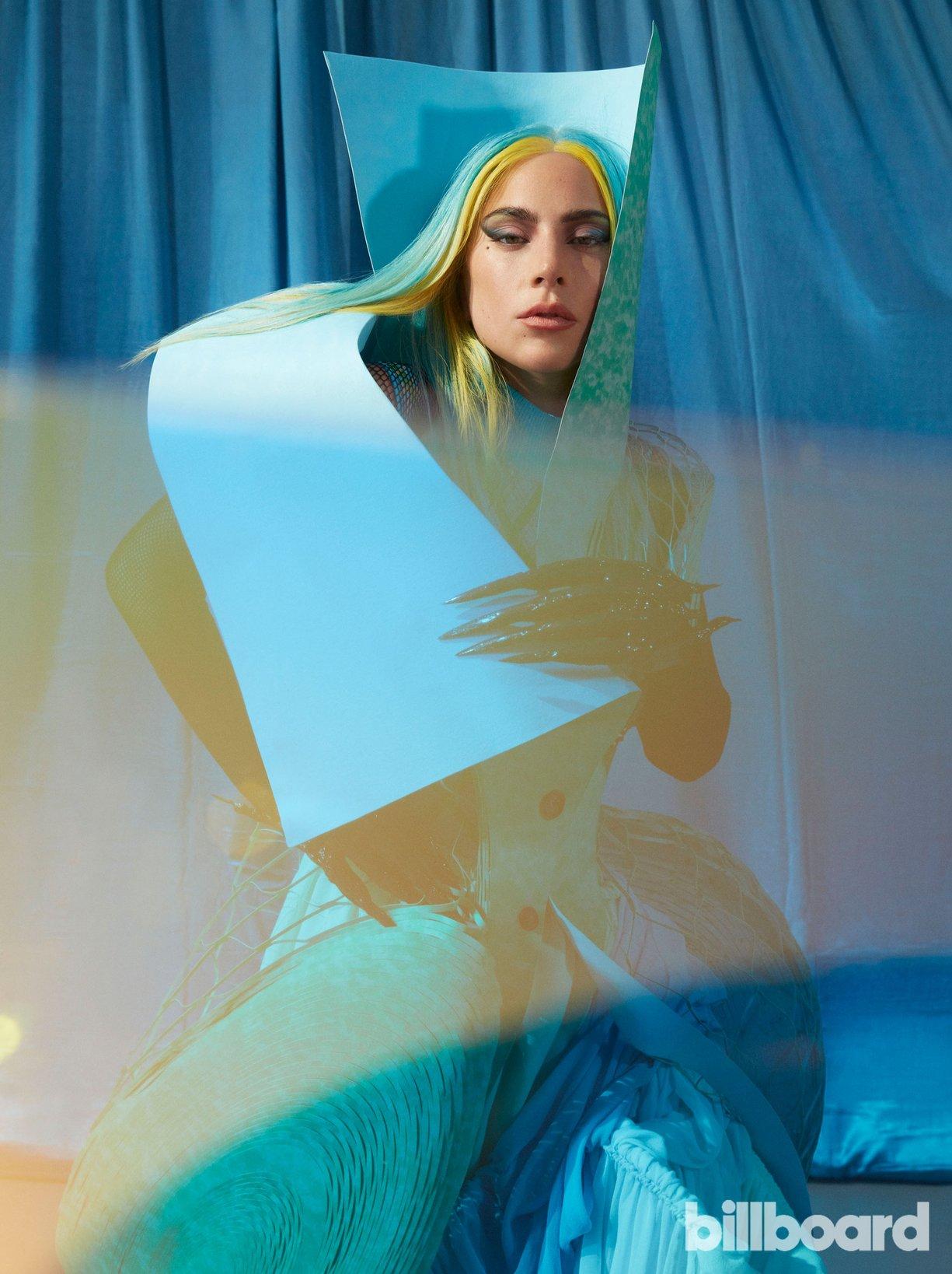 Lady Gaga - Σελίδα 47 Bb-ladygaga-5-ceros-1750