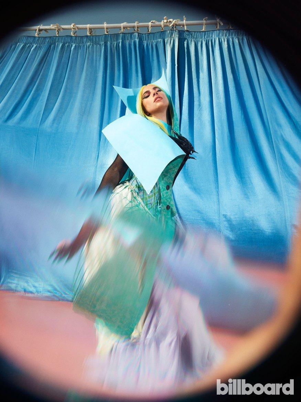 """Lady Gaga revela que já gravou o clipe para """"911"""" e vários planos para a era """"Chromatica"""""""