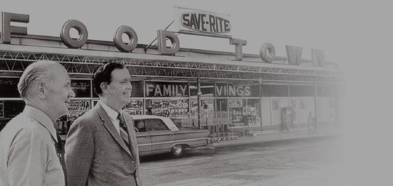 Founders in front of Food Town store, black and white, mid to late 1950s photo