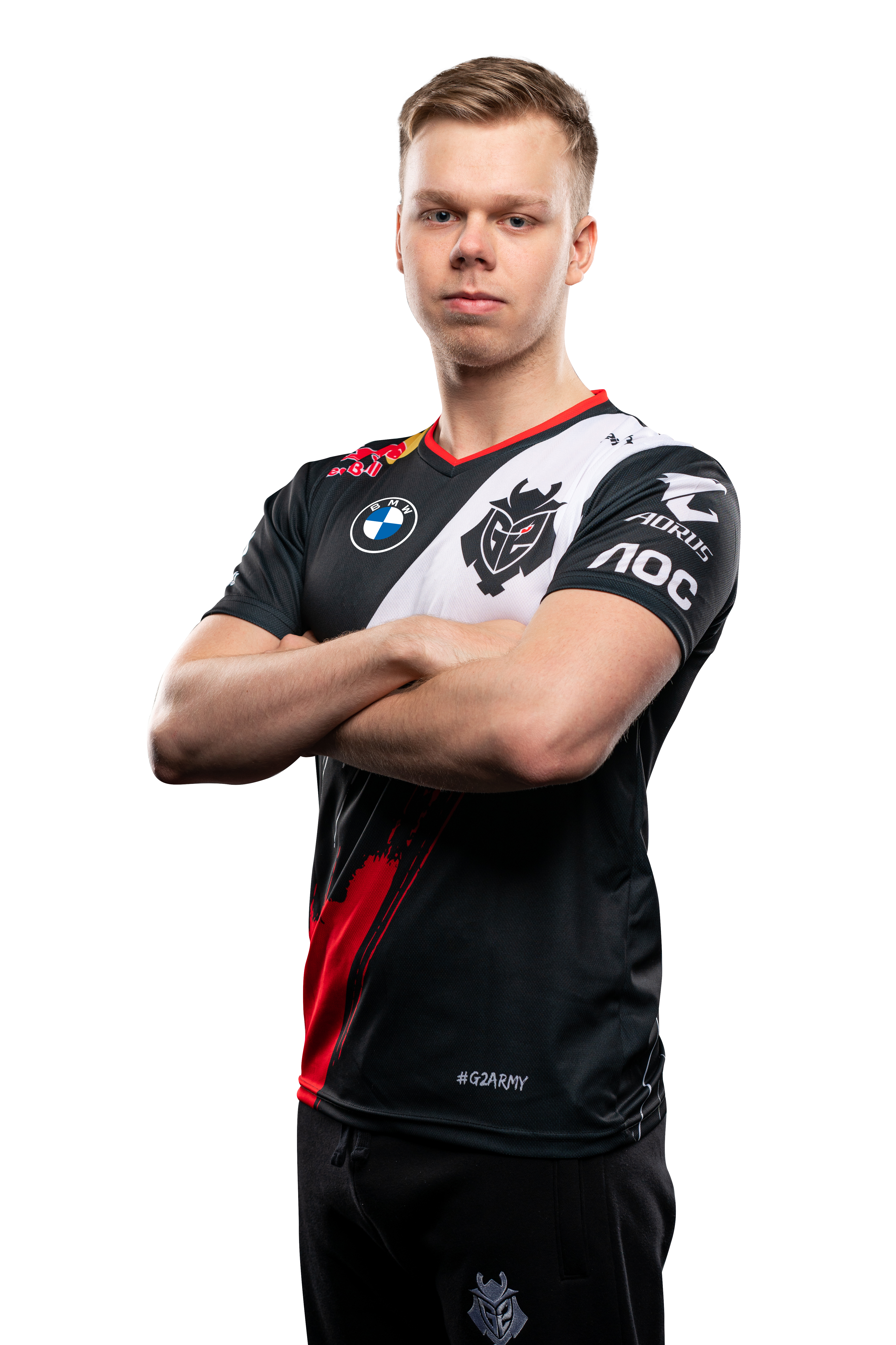 G2 Esports star Wunder poses with his arms crossed
