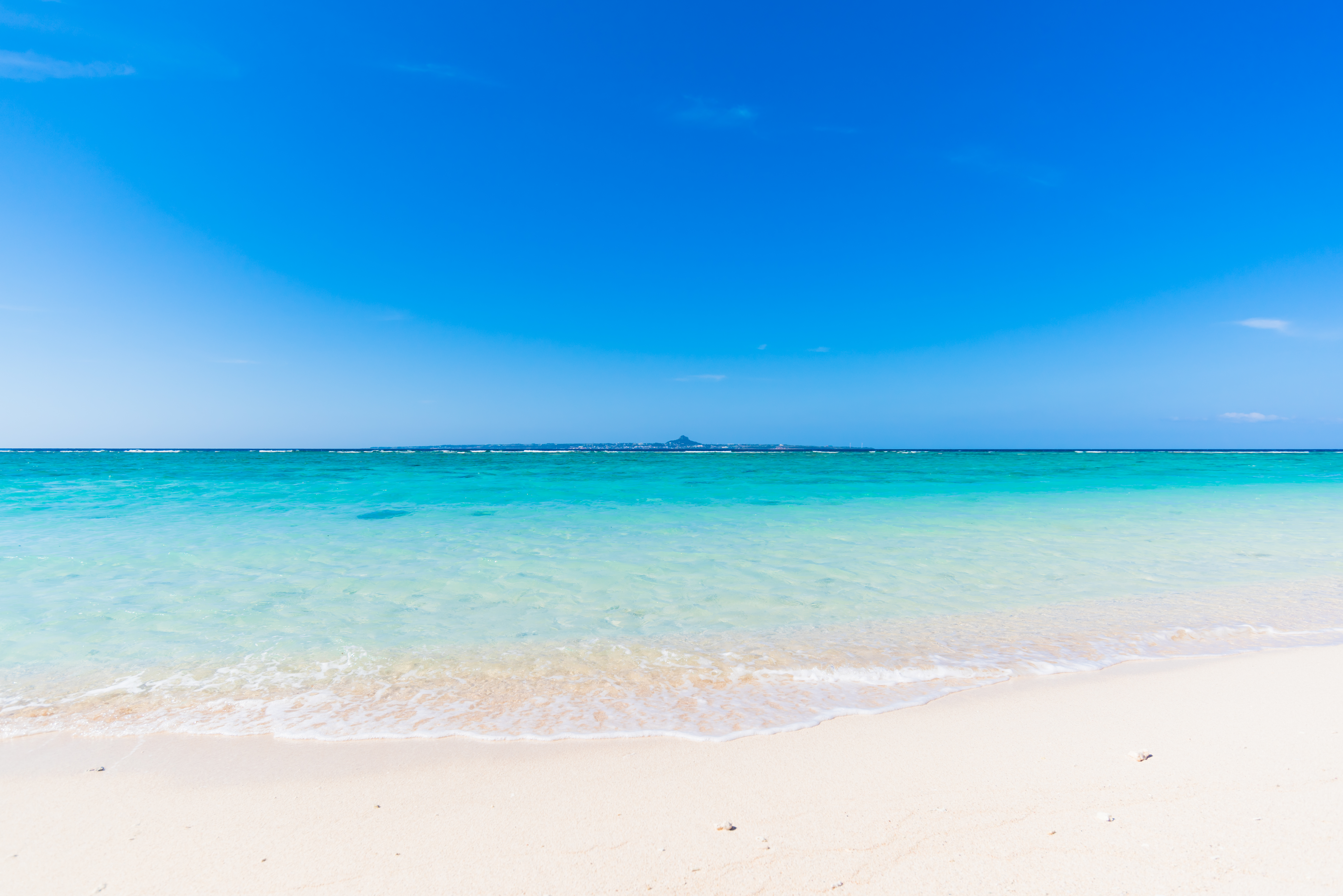 Island paradise: white-sand beaches and crystal clear water on Sesoko.